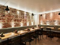 ramen restaurant seating
