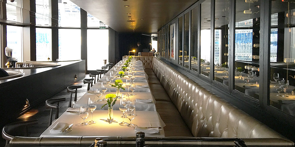 Located high up on the 24 floor of the Tower 42, City Social is an art deco inspired restaurant by Jason Atherton.