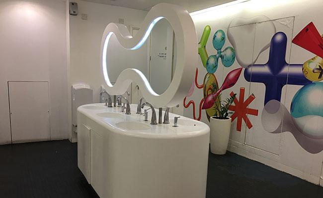 quirky bathroom design